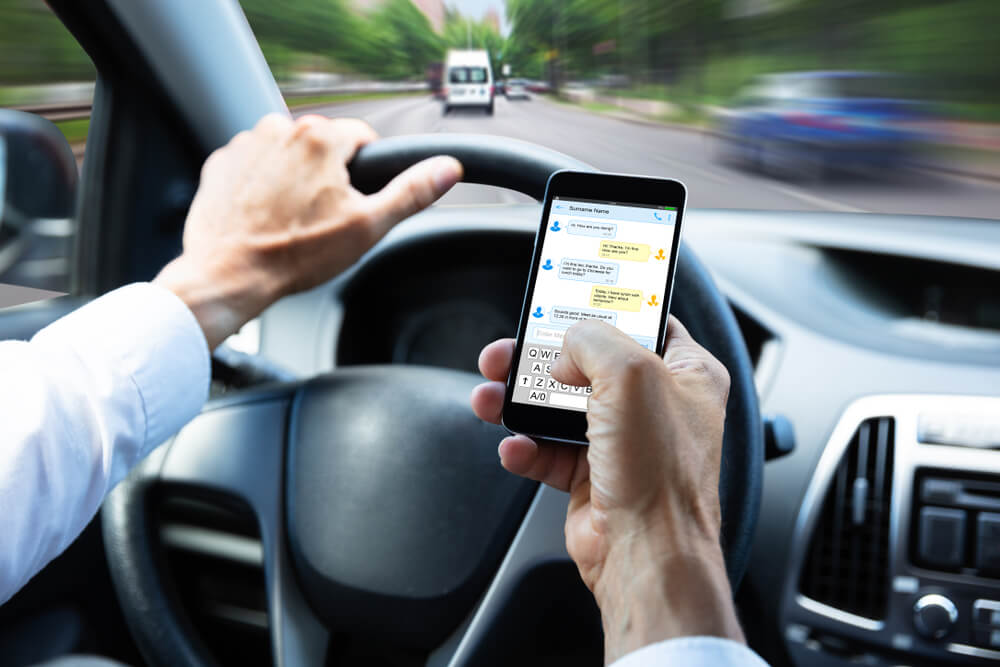 Four Things That Can Cause Distracted Driving Accidents