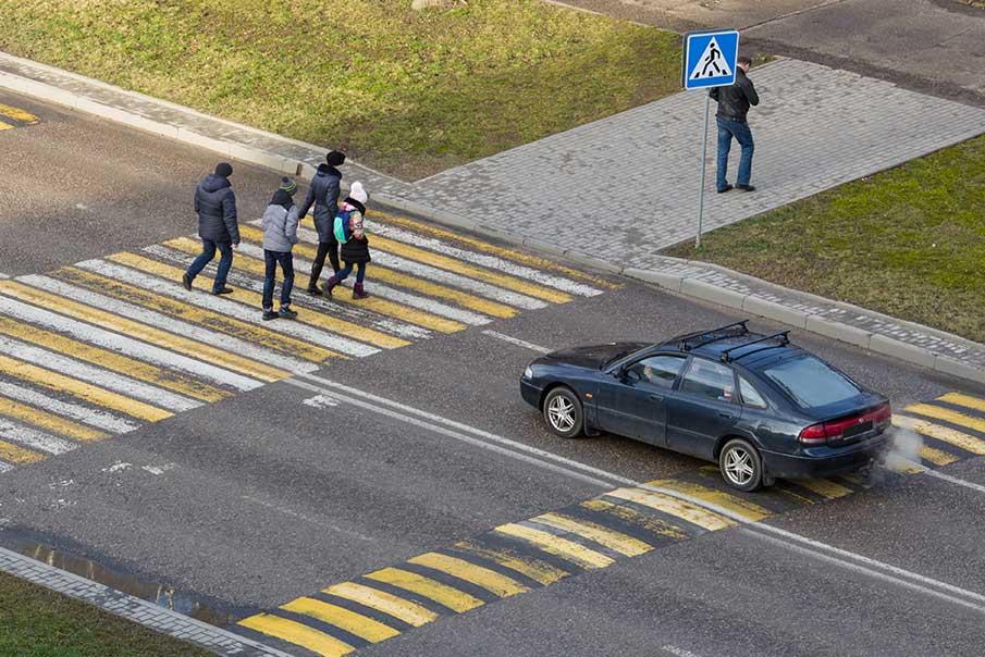 Avoid cross walk accident