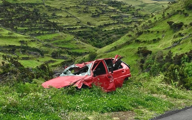Car crash amidst the grass.