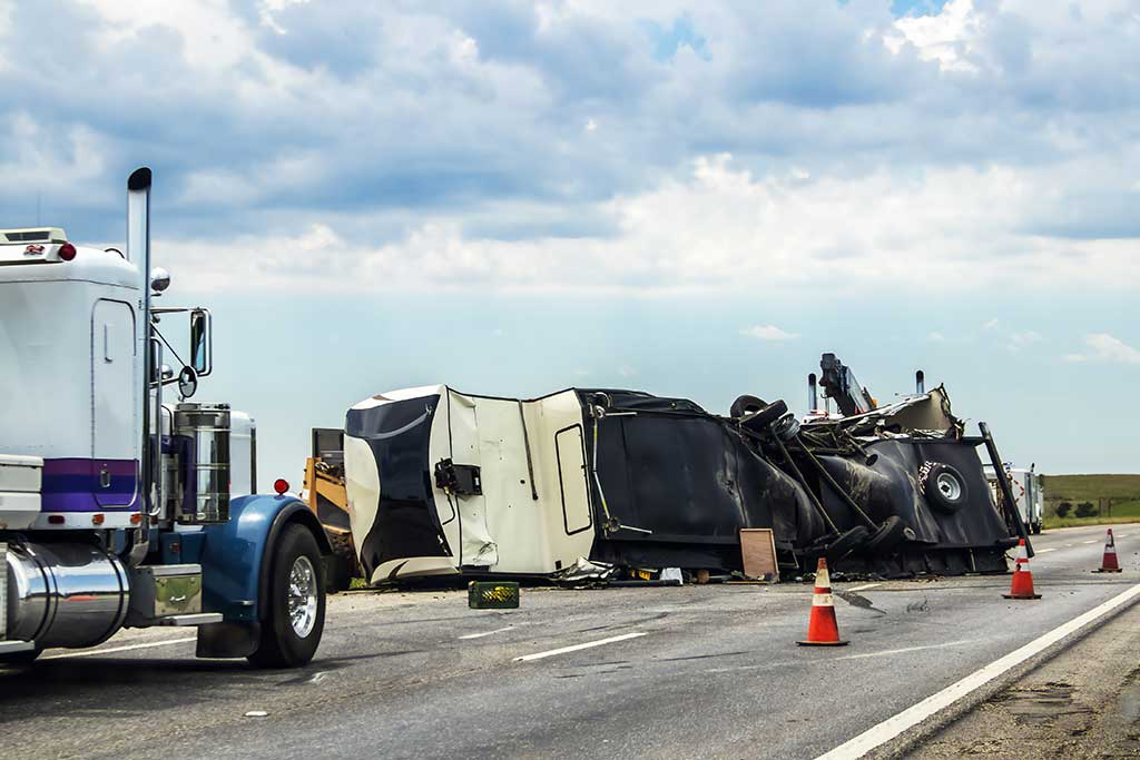 How Are Car And Semi-Truck Accidents Different?